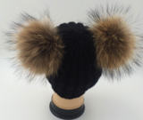 Double pompom hat _